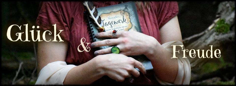 04_Zauberfrau_Magisches_Tagewerk_ToDo_Liste_Dankbarkeitstagebuch_Hexenbuch_Glücklich_werden_Hexenkraft_Magie_DSC_8358